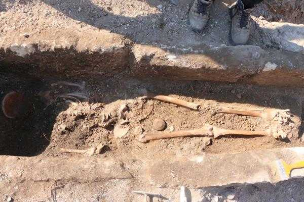 A thousand-year-old skeleton found in Perre ancient city