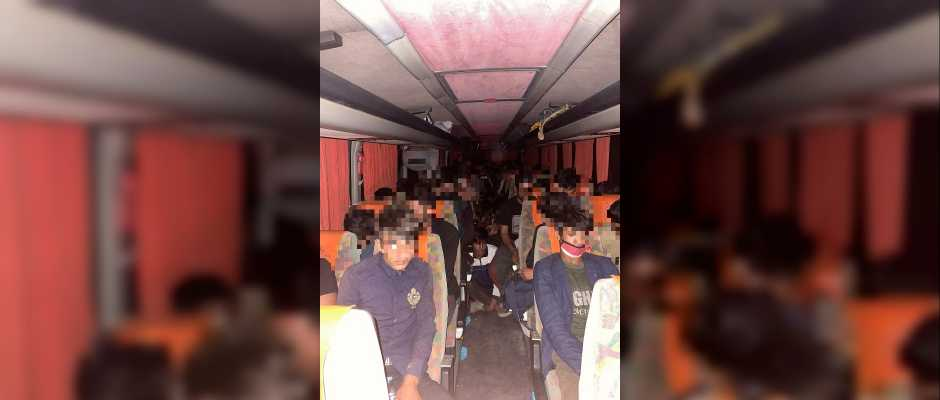68 Afghan illegal immigrants caught on the bus in Kocaeli city